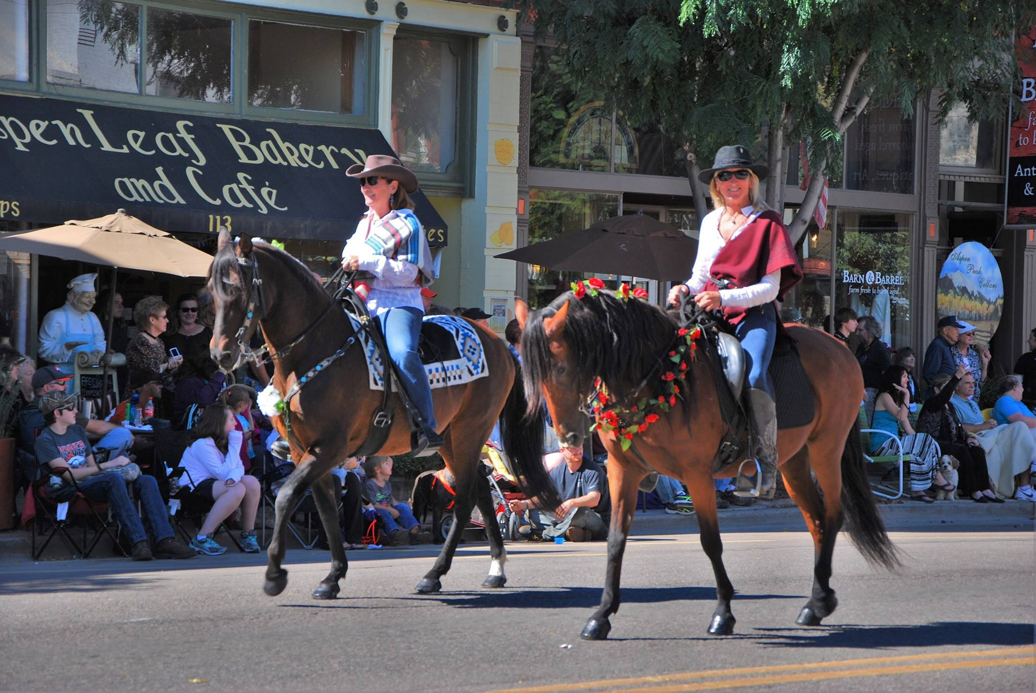 Parade Michelle and Karie.jpg?1475774262